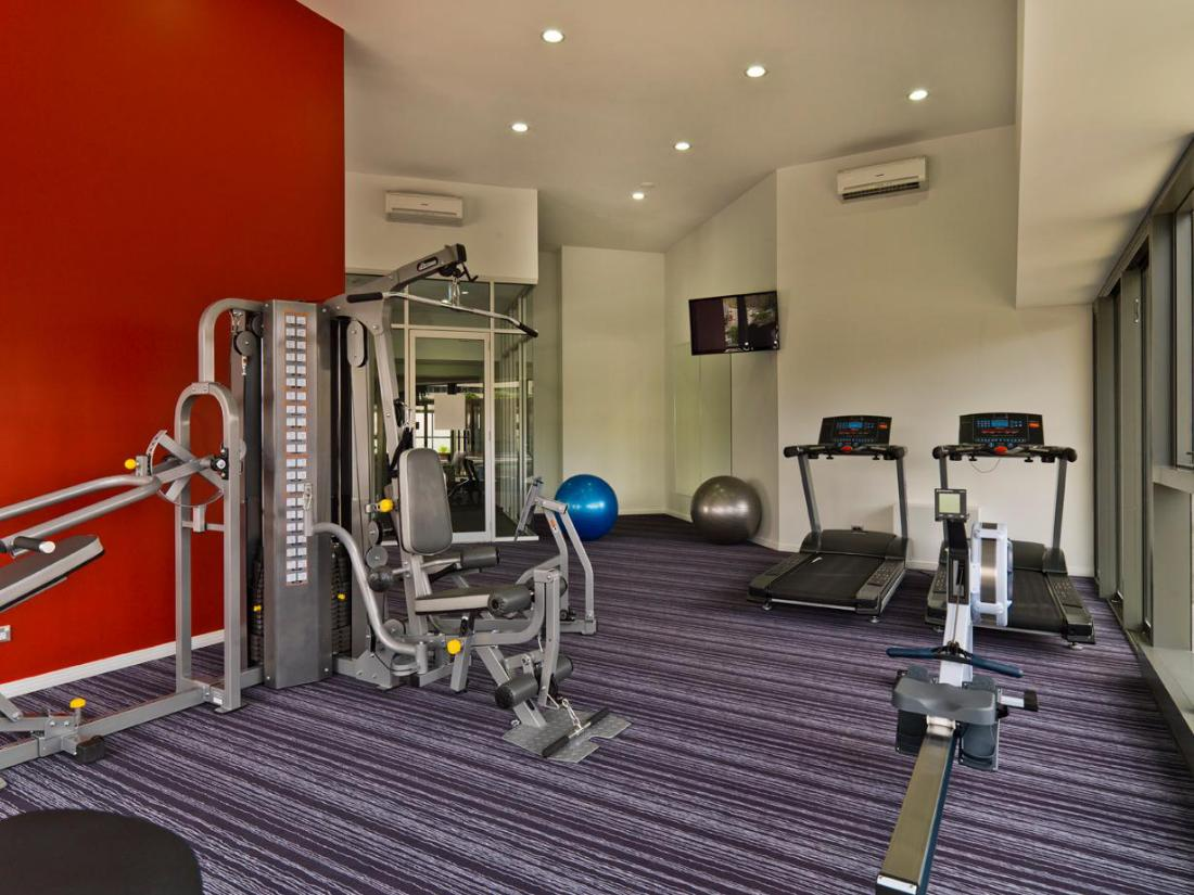 Meriton Serviced Apartments Adelaide Street Brisbane ...