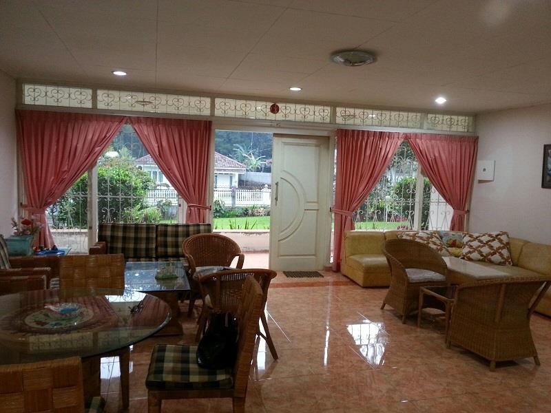 Hotel Villa Ricky and Brian - Jalan Taman Safari Kompleks Imora No. 76 - Puncak