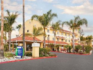Holiday Inn Express Hotel & Suites San Diego-Escondido