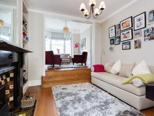 Veeve  4 Bed House Chestnut Grove Balham