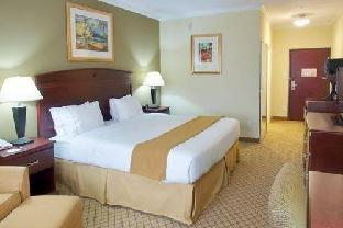 Holiday Inn Express Hotel & Suites Winnie