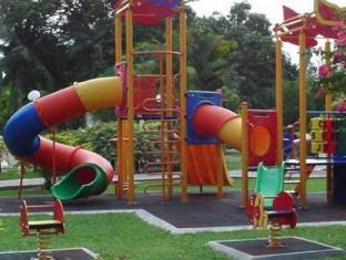 De Rhu Beach Resort Kuantan - Playground