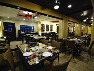 Boracay Regency Beach Resort & Spa Boracay Island - Food Plaza(HapChan)