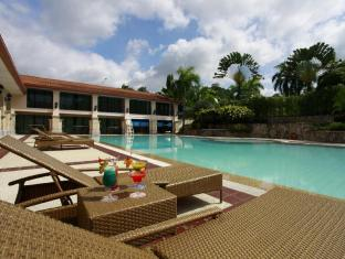 Waterfront Airport Hotel and Casino Mactan Isola Mactan - Piscina
