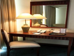 Grand Regal Hotel Davao Davao City - Hotellihuone