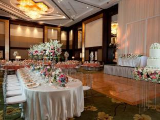 Diamond Hotel Manila - Wedding Set-up