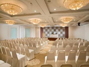 York Hotel Singapore - Meeting Room - Carlton Hall