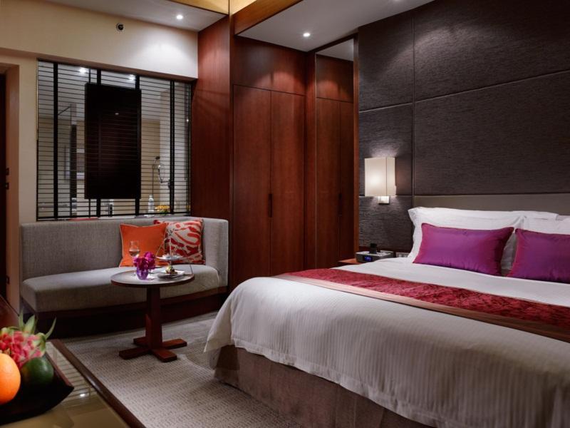 โรงแรมคราวน์พลาซ่า ลุมพินี กรุงเทพ