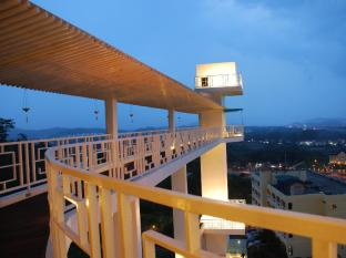 The Sky Dream Hotel Phuket - Sky bridge