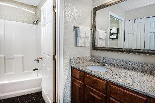 Front view of Staybridge Suites Austin Round Rock