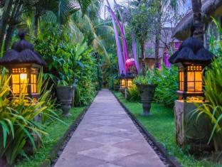 The Mansion Resort Hotel & Spa Bali - Vườn