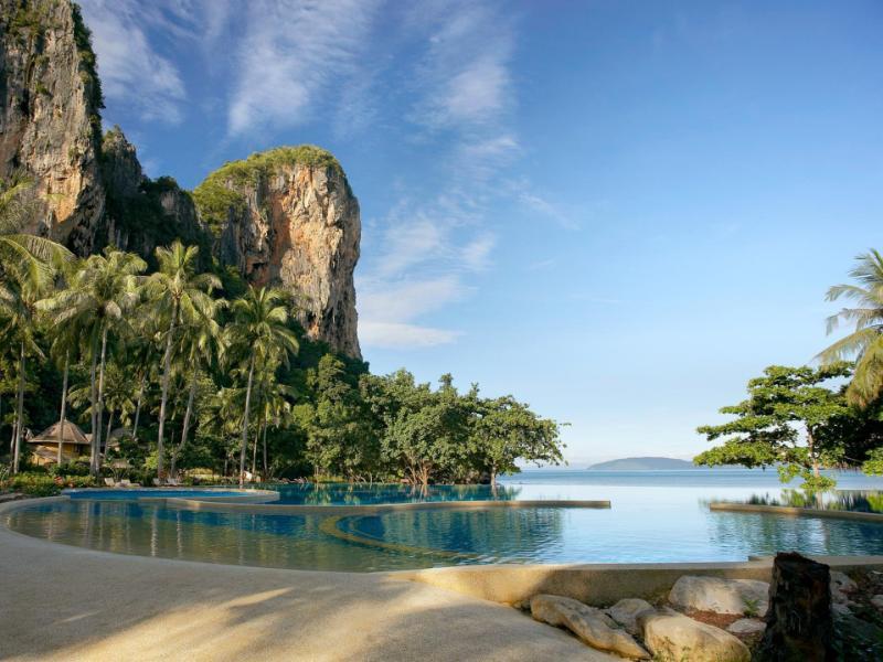 10 ที่พักริมชายหาด บรรยากาศ Luxury ที่ทะเลกระบี่