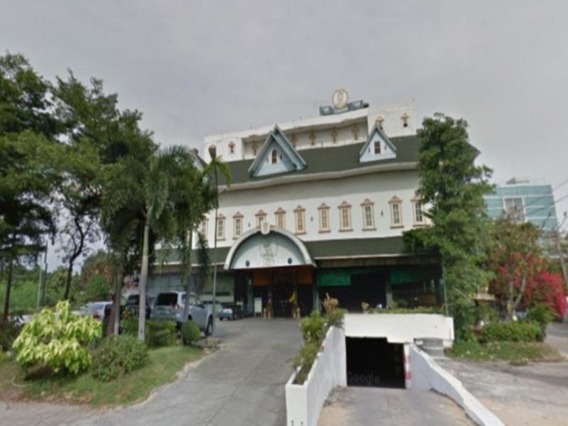 โรงแรม 13 เหรียญ งามวงศ์วาน