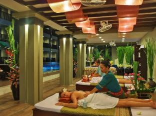 Ananta Burin Resort Krabi - Poolside Massage