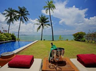 The Village Coconut Island Beach Resort Phuket - Omgivningar
