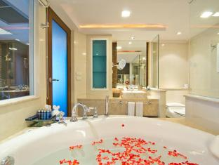 Royal Cliff Beach Hotel by Royal Cliff Hotels Group Pattaya - 1 Bedroom Theme Suite Bathroom