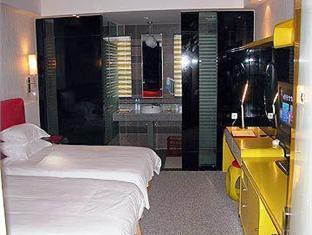 Ya Fan Fashion Hotel Shanghai Zhongxing Road Branch Shanghai - Suite Room
