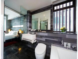 The Quincy Hotel by Far East Hospitality Singapore - Studio Deluxe Bathroom
