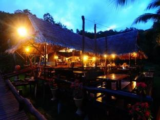 Tenta Nakara Resort and Restaurant Phuket - Restoran