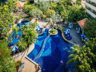 The Royal Paradise Hotel & Spa Phuket - Uszoda