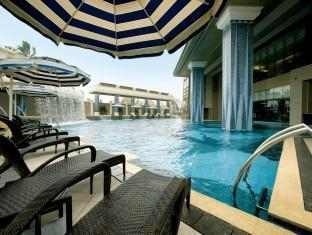Grand Lisboa Hotel Macau - Swimming Pool