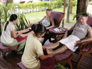 Thara Patong Beach Resort & Spa Phuket - Foot Massage