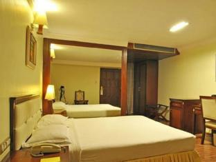 The Shelton Grand Hotel Bengaluru / Bangalore - Guest Room