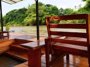 Boutique Raft Resort River Kwai Sai Yok (Kanchanaburi) - Guest Room