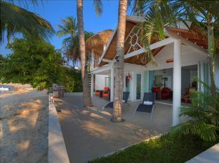 3 Bedroom Beach Front Villa Bangrak