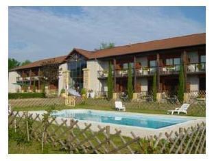 Logis Hotel Du Domaine De Champlong Villerest - Ngoại cảnhkhách sạn