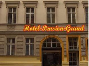 Hotel-Pension-Grand Berlin - Hotellet från utsidan