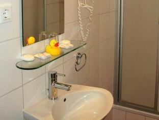 Hotel-Pension Gasteiner Hof Berlin - Bathroom