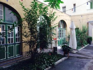 Amstel House Hostel Berlin - garden