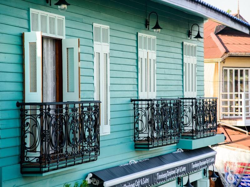 安帕瓦里姆拉比昂套房咖啡厅酒店,ริมระเบียง อัมพวา คาเฟ่ แอนด์ สวีท