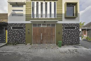 Jl. Tatasurya II No. 11, Dinoyo, Malang