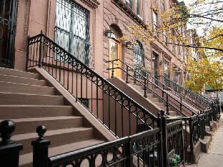 Upper West Brownstone Unit 1 By Luxury Living Suites