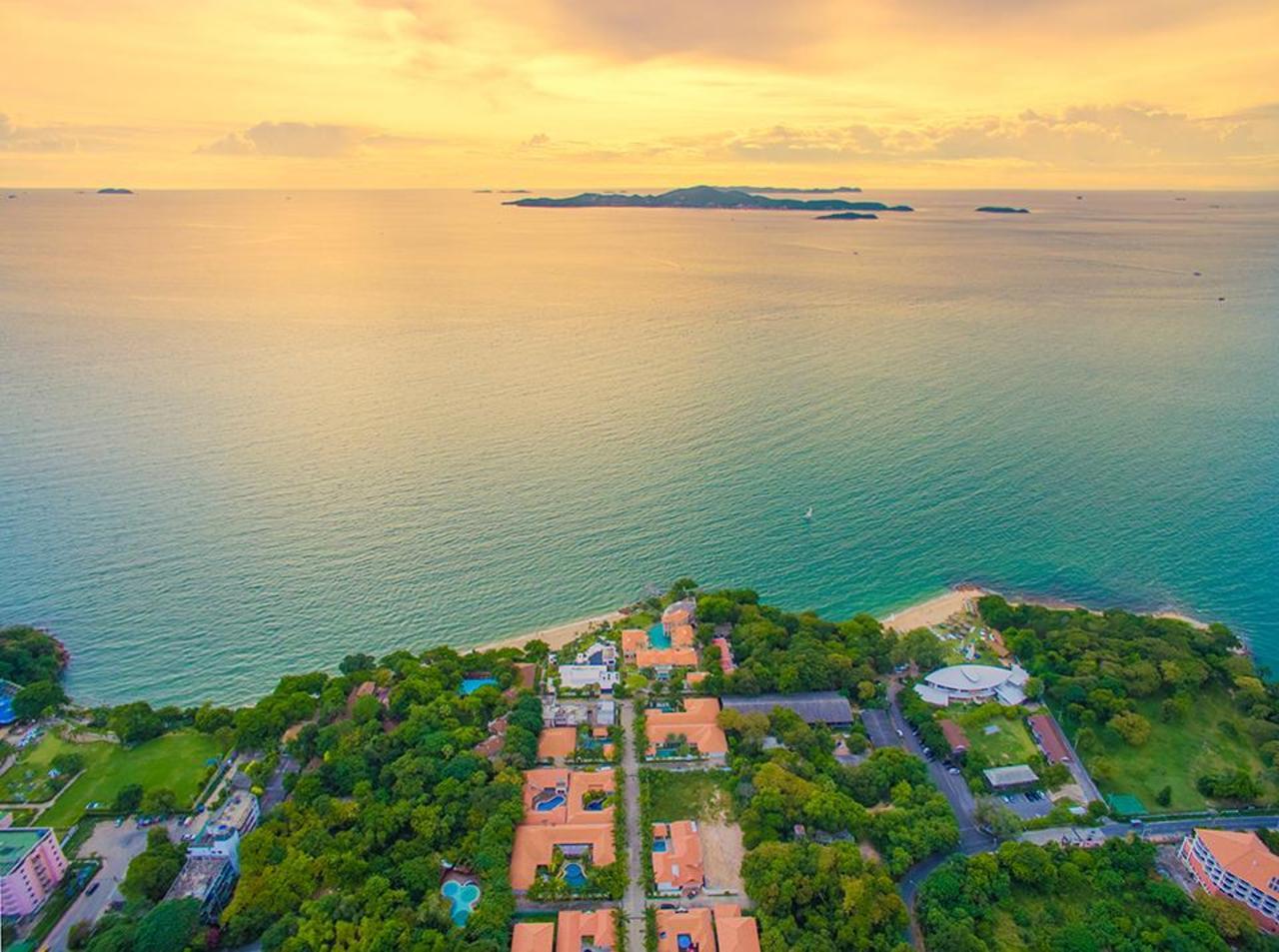 ไพรเวท บีช พูล วิลลา พัทยา (Private Beach Pool Villa Pattaya)