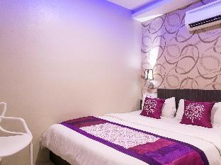 OYO 176 Hotel Q Inn