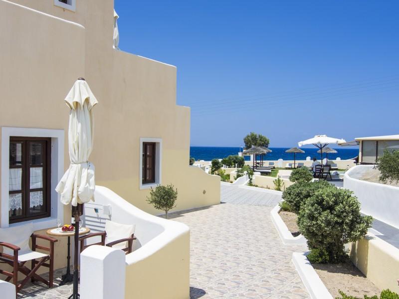 En Plo Boutique Suites – Santorini 2