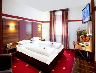 Hotel Burgschmiet Garni