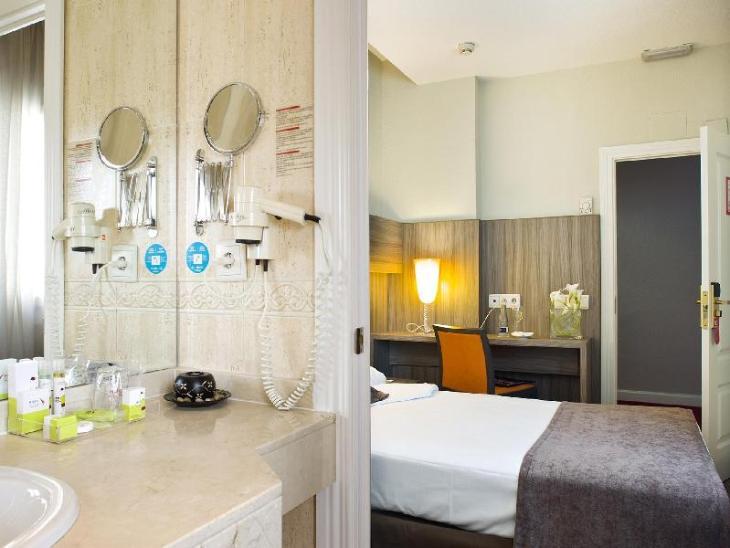 Hotel Serrano photo 3