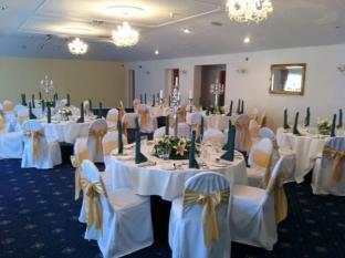 Rhinewood Country House Hotel Warrington - Ballroom