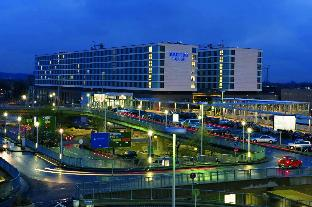 Best guest rating in Dusseldorf ➦ Hilton Dusseldorf Hotel takes PayPal