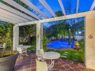 Summerwood Guesthouse Stellenbosch - Terrace with Garden and Pool View