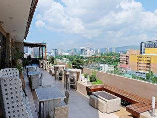 Castle Peak Hotel Cebu City - Vista