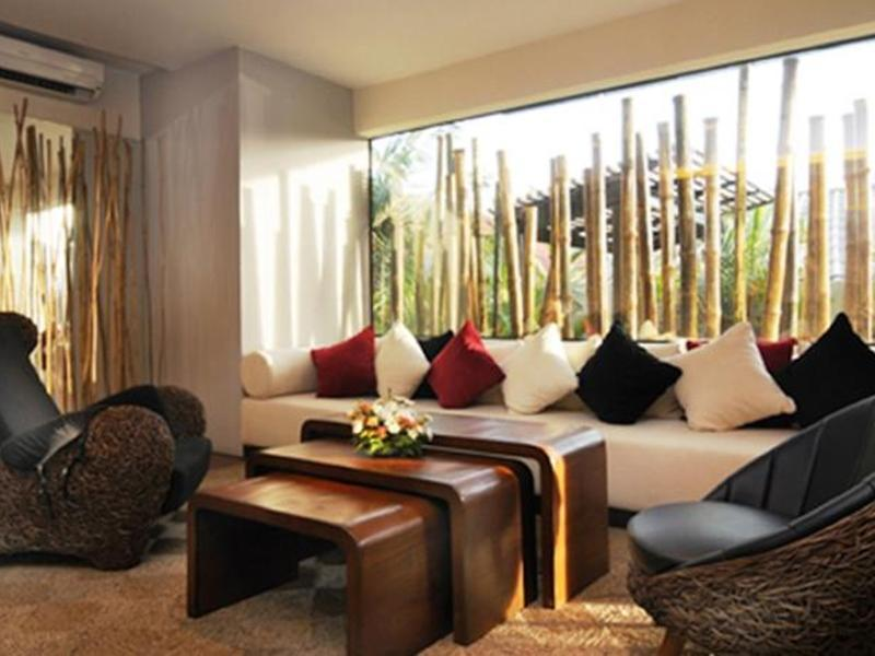 โรงแรมแบมบู เฮาส์ ภูเก็ต