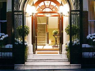 Dukes Hotel London - Entrance