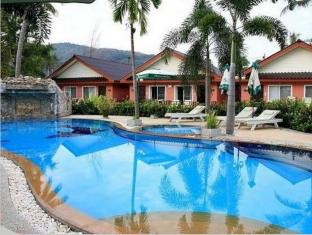 Andaman Seaside Resort Phuket - Swimming Pool