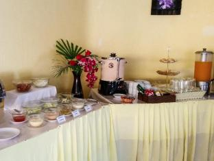 Andaman Seaside Resort Phuket - Buffet