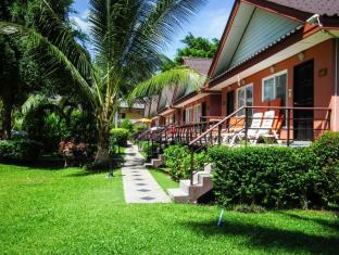 Andaman Seaside Resort Phuket - Surroundings